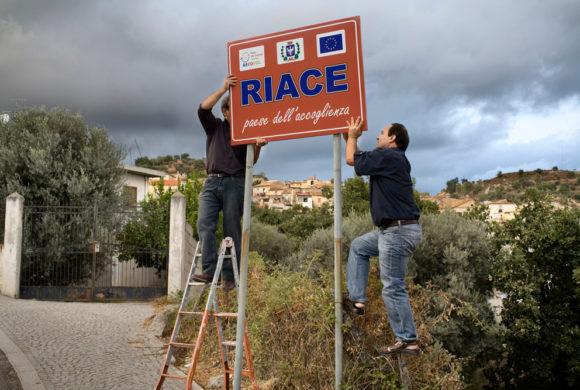 A proposito dell'incontro sul modello Riace tra migrazione e integrazione al Liceo Gramsci di Ivrea