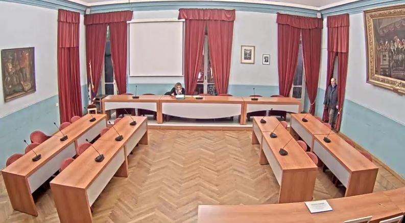 """Otto consiglieri scrivono al Consiglio Comunale d'Ivrea: """"la misura è colma"""""""