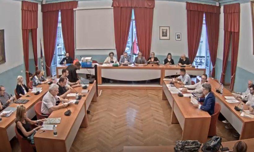 """Il consiglio comunale di Venerdì Santo e la """"grana"""" della Fondazione Guelpa"""