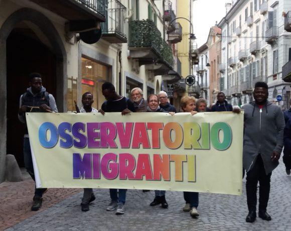 Ivrea ricorda le vittime dell'immigrazione. Cittadini presenti. Amministrazione non pervenuta.
