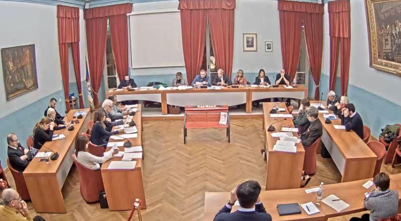 Il primo bilancio comunale dell'amministrazione Sertoli: prudente, ordinario e senza alcuno sguardo al futuro