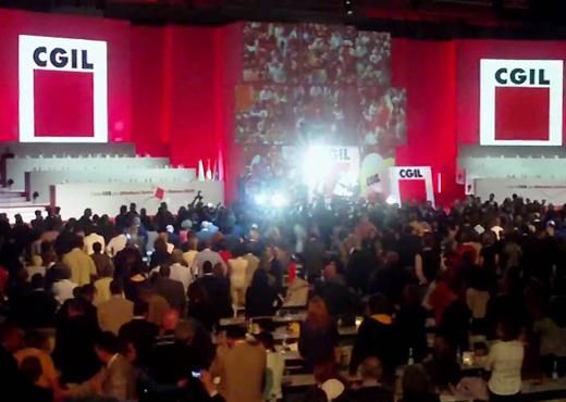 Nel sostanziale oscuramento mediatico, arriva a conclusione a gennaio il congresso della CGIL, con Landini in pole position per diventarne segretario