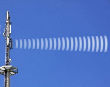 Incontro pubblico sul nuovo traliccio per le telecomunicazioni a Pavone C.se: quali rischi per la salute?