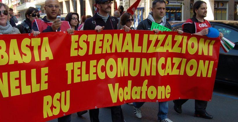 Vodafone ci riprova: annunciati 1130 esuberi in Italia