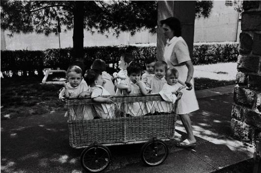 Chiusa una delle sedi distaccate dell'Asilo Nido Comunale: è il mercato, bambini