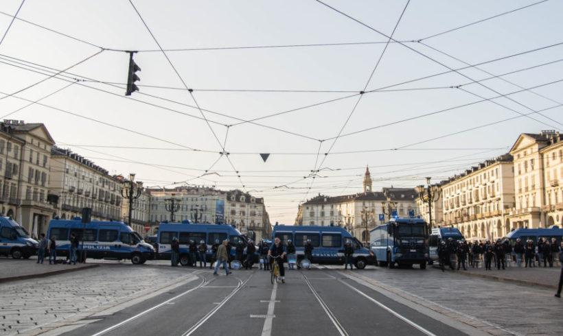 A Torino stato di tensione permanente, a senso unico