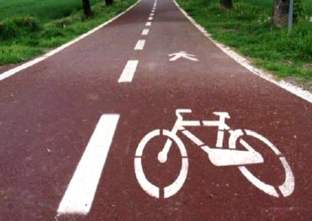 """Naufraga il progetto """"Percorsi ciclabili del Naviglio d'Ivrea"""": la Regione ritira il finanziamento"""