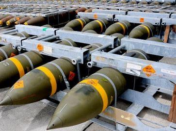 Servizi essenziali? Basta produzioni militari!