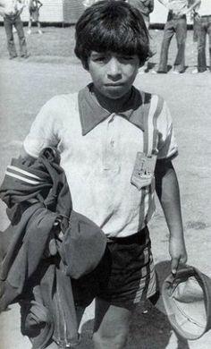 Maradona, tra arte del calcio e vita