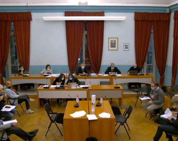 Centro culturale La Serra: maggioranza timida, minoranza respinge